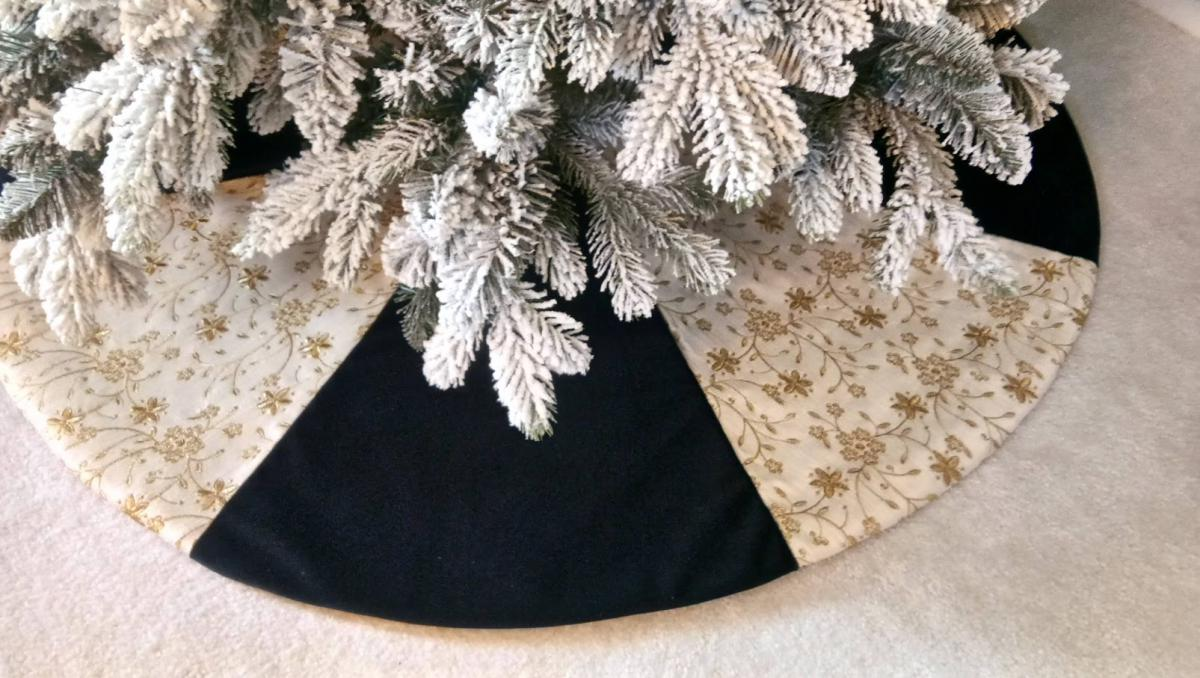Serenity Gold Exclusive Christmas Tree Skirt
