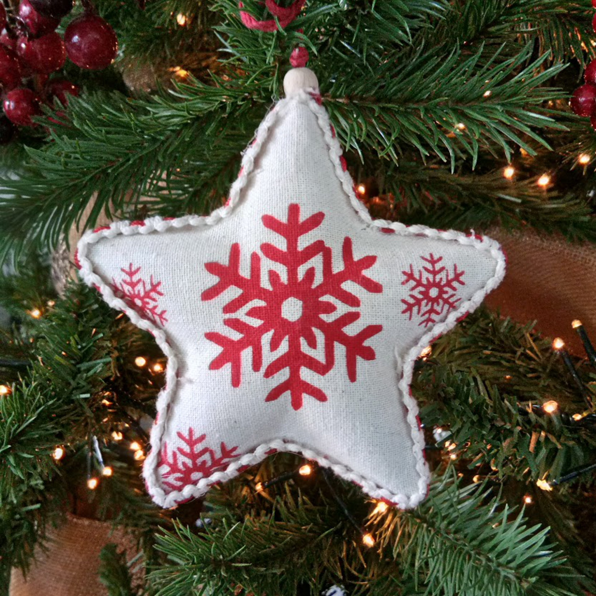 Star Cream Red Decorations Infingo Collection